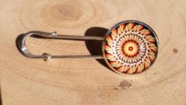 Laatste kans: Grote spelden met mandala motief - zilverkleurig