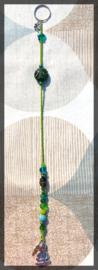 Boeddha gelukshanger met groene en blauwe kralen