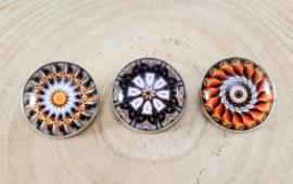 Setje 3 spelden mandala groot 'vurig' 2