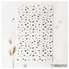 Cadeauzakje | wit met zwarte hartjes | MIEKinvorm
