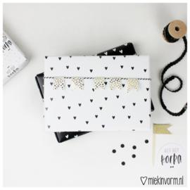 Inpakpapier | wit met zwarte hartjes | MIEKinvorm