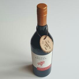 Houten cadeau hanger voor fles wijn