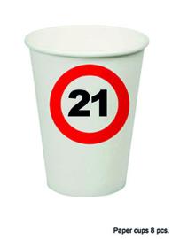 21 jaar: 8 paper cups