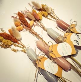 Droogbloemen & kaarsje + cadeaulabel naar keuze