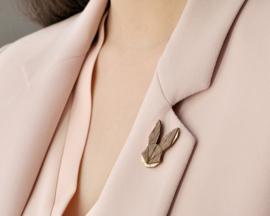 houten broche - Hare