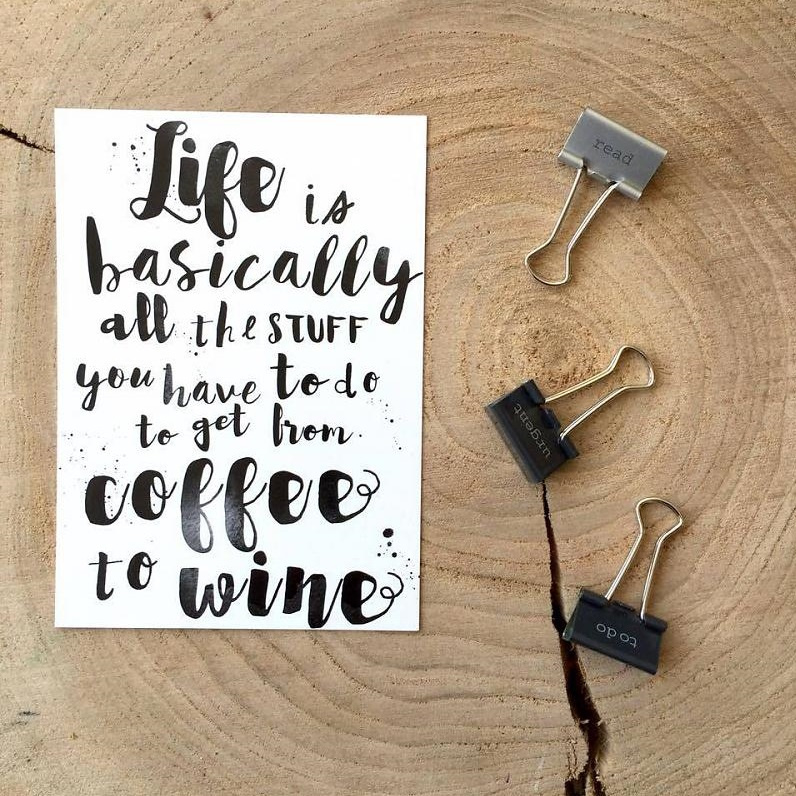 Zoedt kaart A6 -Life is basically all the stuff you have to do to get from coffee to wine