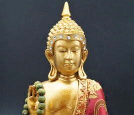zittende Buddha met houten mala 24 cm