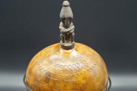 versierde kalebas op standaard van Timor eiland