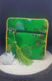 zakje groot ( 11 x 11 cm) met geluksmunt groen