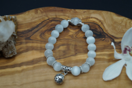 armband in witte opaal