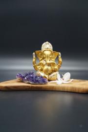 Gouden ganesha met gouden stoffen broekje