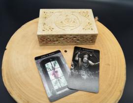 Tarot box triquetra