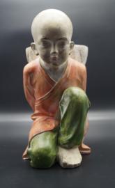 Monnik knielend 35 cm hoog