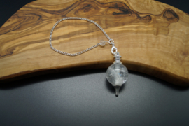 Pendel met bergkristal bol
