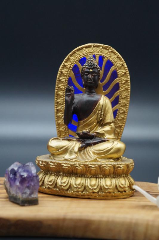 Gouden Boeddhabeeldje met led licht