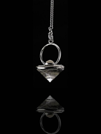 Pendel bergkristal kegelvorm met maansteen