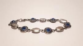 Zilveren armband met lichtblauwe strass stenen