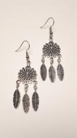 Zilveren oorbellen met veren