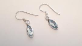 Zilveren oorbellen met topaas