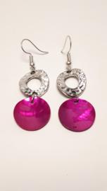 Zilveren oorbellen met roze schelp
