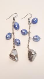 Zilveren oorhangers met zoetwaterparels