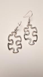 Zilveren puzzel oorbellen
