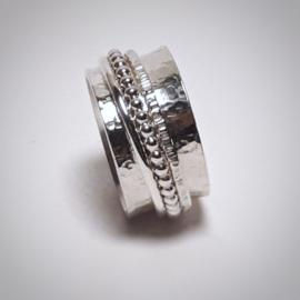 Zilveren spinner of meditatie ring