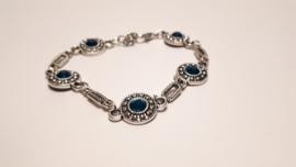 Zilveren armband met zeeblauwe accenten