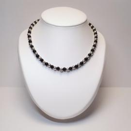 Zilveren ketting met zwarte agaat