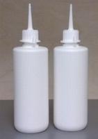 Flesje 250ml met schenktuit (wit plastic) /st