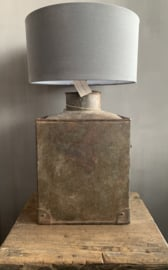 Aura Peeperkorn Iron Lamp L