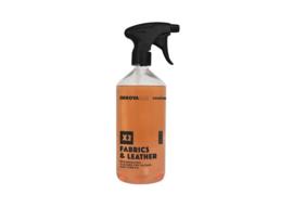 Fabrics & Leather 500ml / regenererend reinigingsmiddel voor leer en stof.