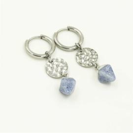 Oorbellen zilver blauw steentje
