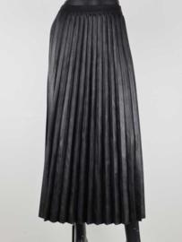 Lange plissé rok zwart leather look