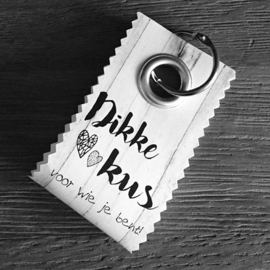 Canvas label: Dikke kus
