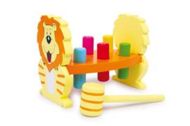 Houten hamerbank leeuw