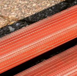 "Heavy duty plat oprolbare NBR rubber rode water- / brandslang / persslang 2"" - 52 mm x 20 meter type BUDGET"