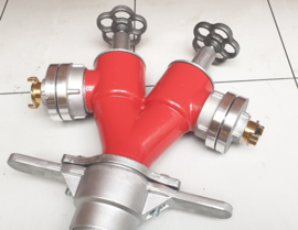 Standpijp / opzetstuk DN 80 voor ondergrondse hydranten met 2 spindelafluiters + Storz NOK / NA  66 + GEKA (GK)
