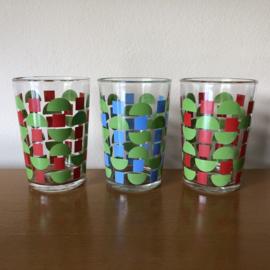 Set van 3 glazen rood groen blauw