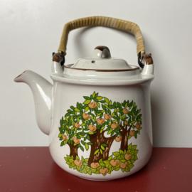 Vintage theepot appelbomen