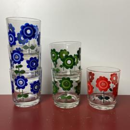 Vrolijke bloemen glazen