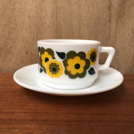Arcopal lotus kop en schotel geel