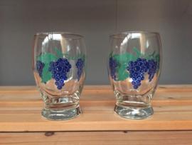 Vintage glazen met druifjes