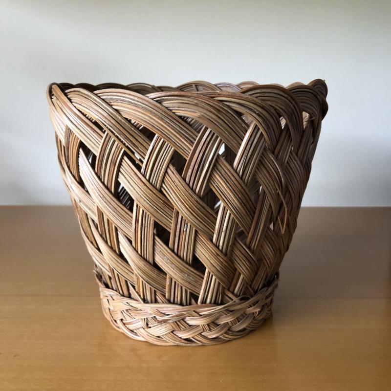 Vintage rieten bloempot