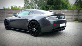 ASTON MARTIN V8 VANTAGE SIDE SKIRTS