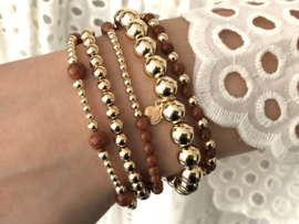 Armband Lexie met real gold plated balletjes en camelkleurige edelsteen
