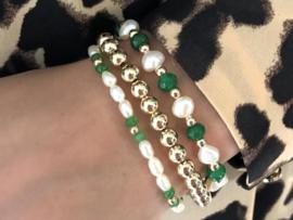 Armband Rhodé met real gold plated balletjes, groene jade en witte zoetwaterparels