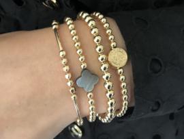 Armband Lina met real gold plated balletjes en klavertje