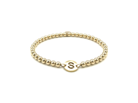 Armband initial met gouden balletjes en lettermunt