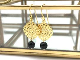 Gouden Bohemian oorbellen met zwarte onyx